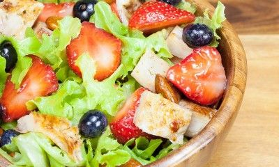 Springtime Salad with Chicken and Berries